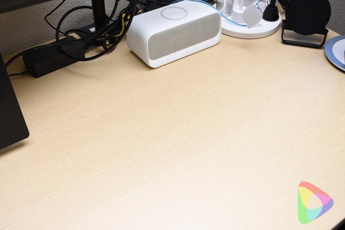 机の上をスッキリと出来るモバイルモニター
