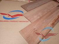 lantai kayu Parquet Keruing
