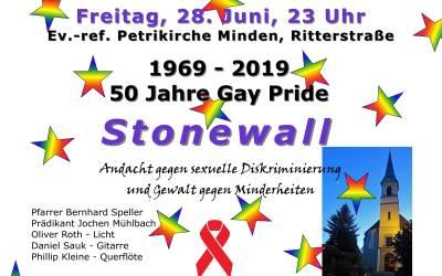 Stonewall: Andacht gegen sexuelle Diskriminierung in der Petrikirche