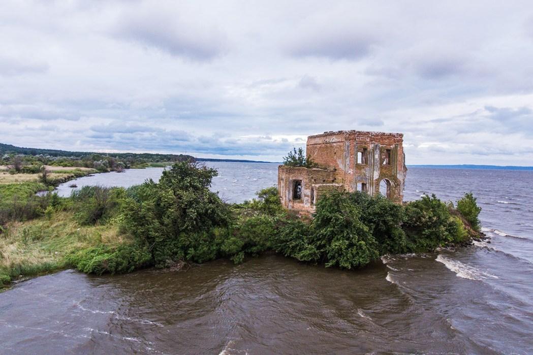 Затопленная церковь село Цыбли
