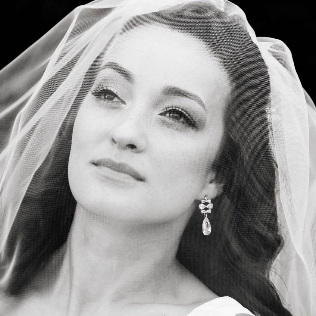 Черно-белый портрет невест