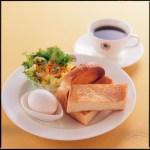 朝食を食べることができるゲストハウス。朝食を提供するスタイルは様々?!