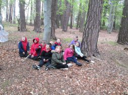 outdoor learning in the woods 058