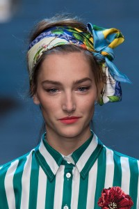 spring-summer-scarf-trend