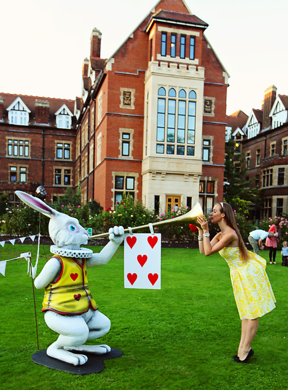 Kirstin Mills and the White Rabbit, Alice in Wonderland, Wonderland Week, Cambridge