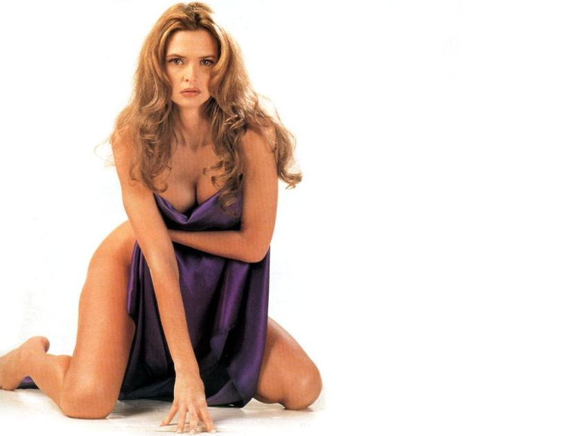 Heather Graham Hot Pictures - Unusual Attractions-3146