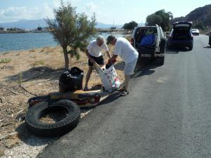Beach cleaning near Viglia