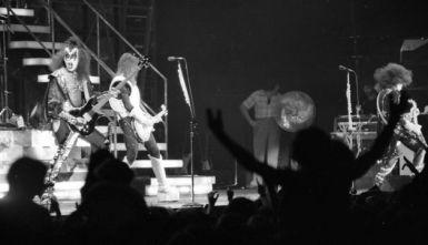 Kiss at Cow Palace, '77 (6)