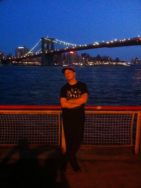 Jag under Brooklyn Bridge