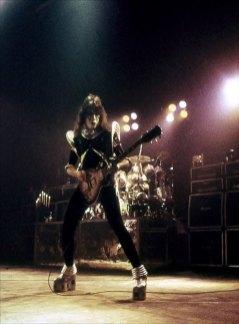 den-1976-16