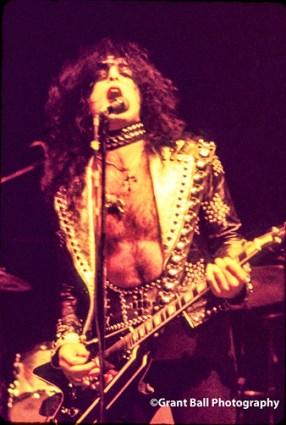 kiss 1974-8