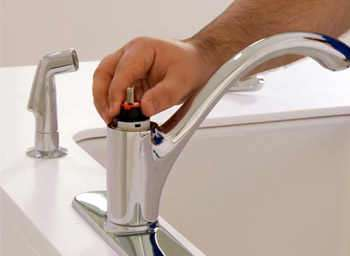 How To Fix A Leaky Kitchen Faucet Single Handle Ball & Ceramic Disc Faucets