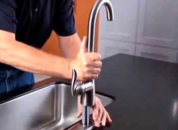 How To Install A Kitchen Faucet U0026 Remove The Old One ...
