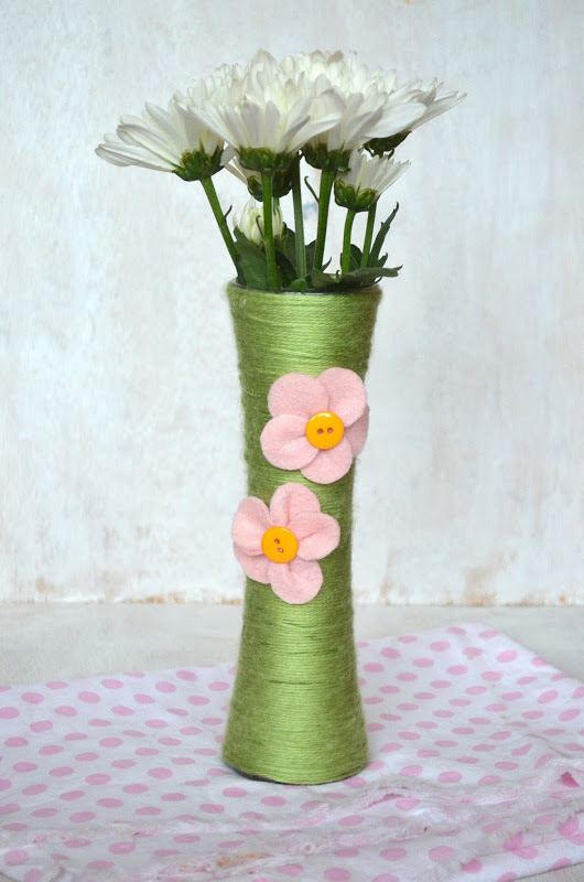 Yarn Wrapped Flower Vases And Affordable Mother S Day Gift Ideas Kitchen Concoctions