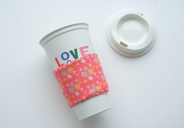 coffee cup sleeve on coffee cup