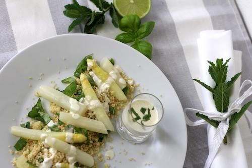 Honig Spargel auf Kräuter Couscous Vorspeise