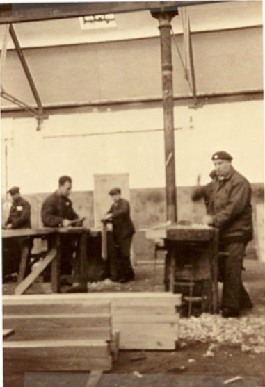 Kitchener camp, Peter Weiss, Autobiography, 'Carpentry shop'