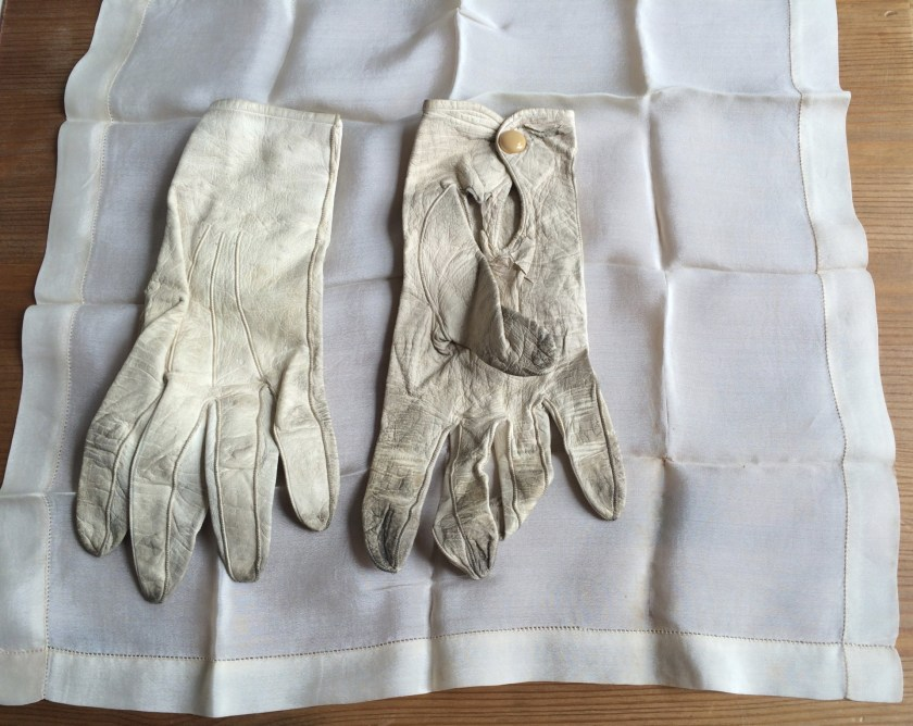 Kid evening gloves and silk handkerchief, 1930s