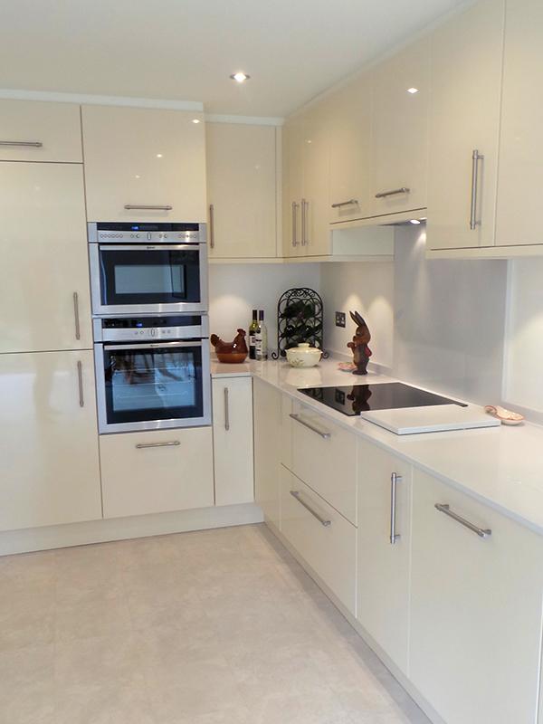 Avant Ivory St Albans Hertfordshire Kitchen Ergonomics