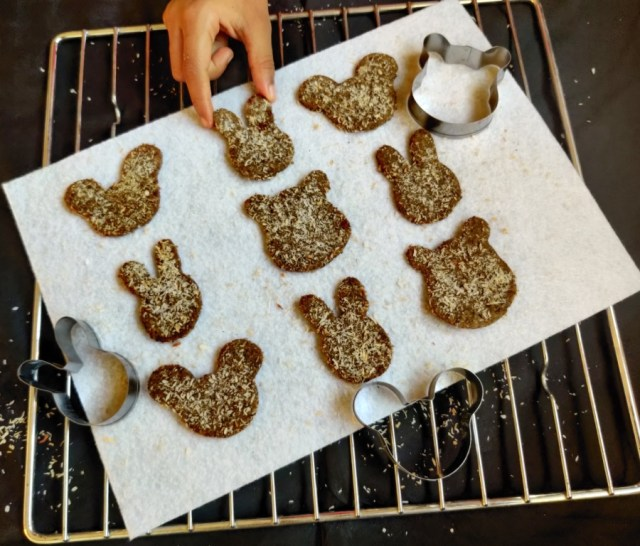 Buckwheat Coconut Cookies