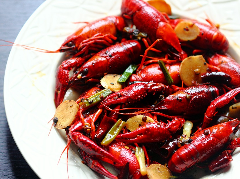 Little Cooking Saint – 0008 – Crayfish in Mala Sauce (1)