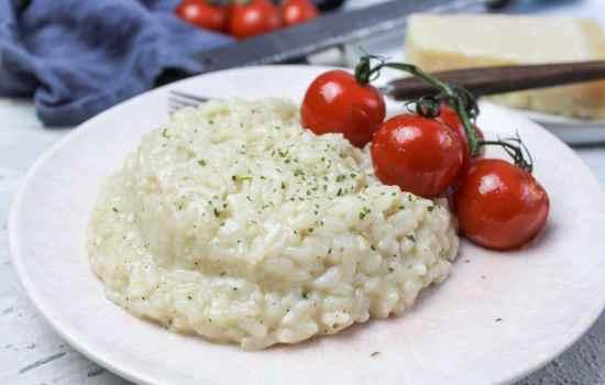 Parmesan Risotto mit Schmorrtomaten