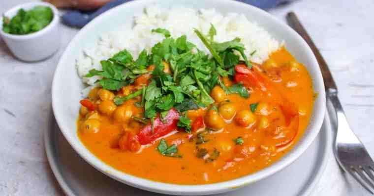 Kichererbsen Curry mit Paprika und Reis