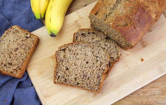 Gesundes Bananenbrot ohne Zucker und Fett