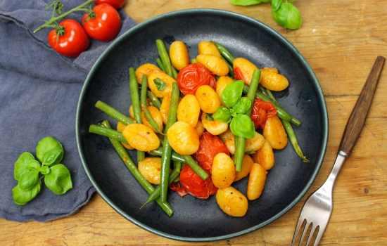 Gnocchi mit Bohnen und Tomaten