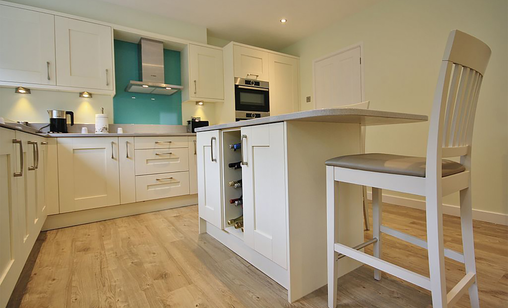 Modern L Shaped Kitchen