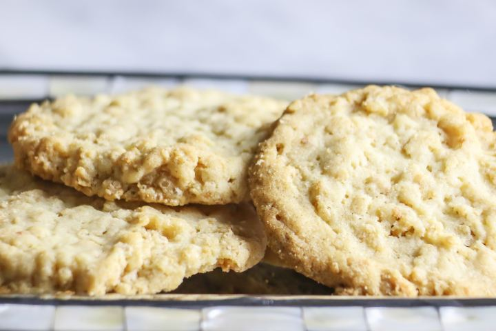 I LOVED these cereal drop cookies! They're super crispy and light, and so easy to make!