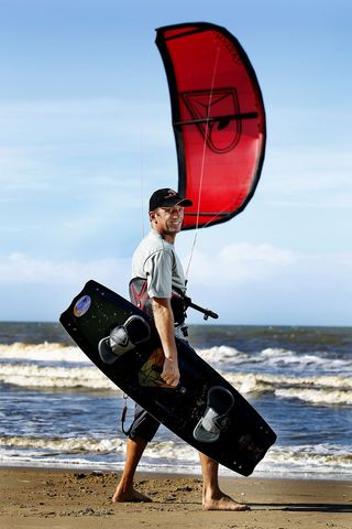 Cairns Activities - kiteboarding Cairns Australia - Andrew Bamford