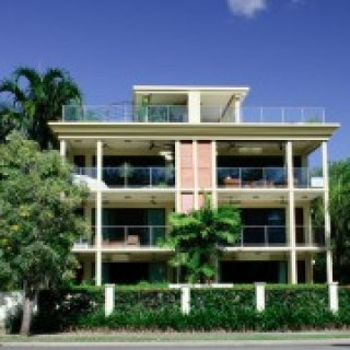 Yorkeys Knob Beachfront Apartment - KBC