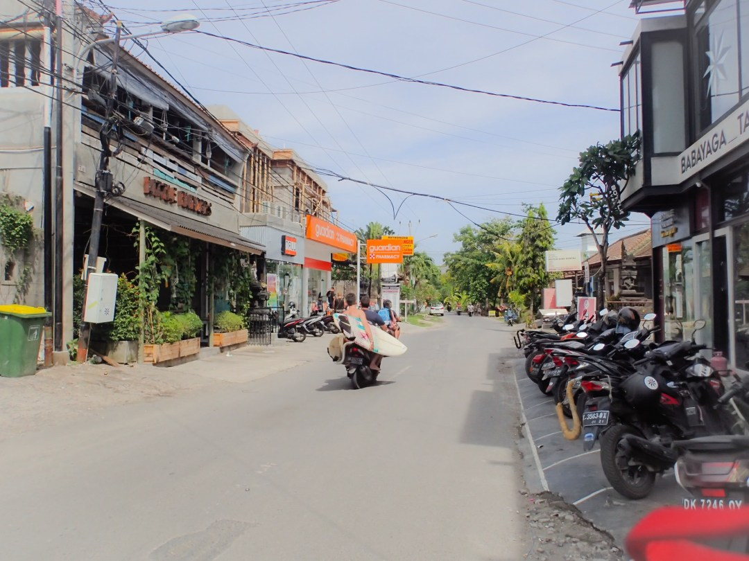 Main road Canggu