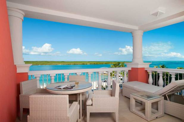 Turks and Caicos islands accommodation sea view balcony