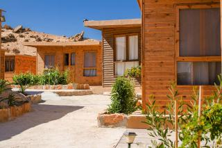 Bungalows at Kite Morocco next to the Dakhla lagoon