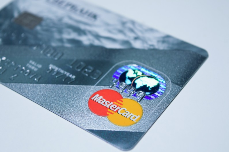 The 7 Best Tips for First-Time Credit Card Users