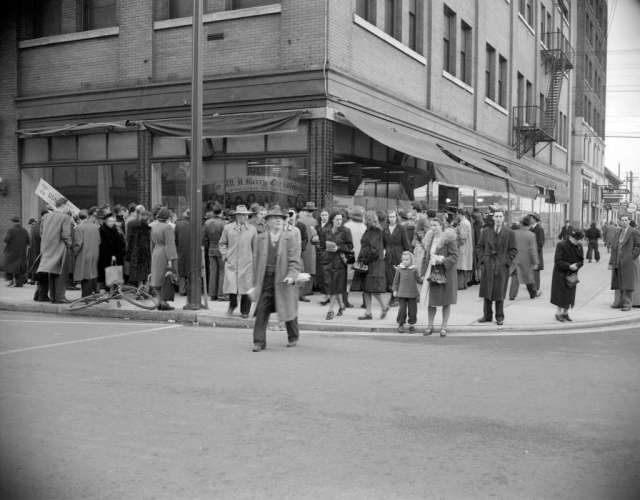 Crowds gathered outside Kelly's appliance store to look at a Christmas window display; Image: Vancouve Archives