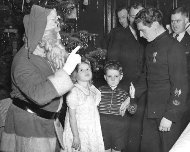 B.C. Regiment D.C.O.R. childrens' Christmas party; 1938. Image: Vancouver Archives