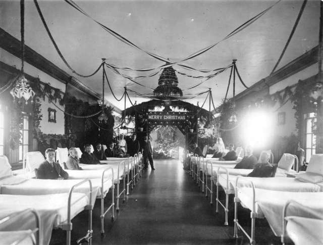 Ward of Shaughnessy Hospital decorated Christmas celebrations; 1920. Image: Vancouver Archives
