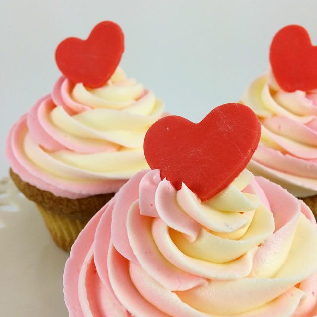 Valentine's cupcakes from Cupcakes. Image Credit: Cupcakesonline.com