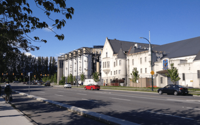 Molson's and Seaforth Armoury on Burrard Street, 2015 (Photo: C. Hagemoen)