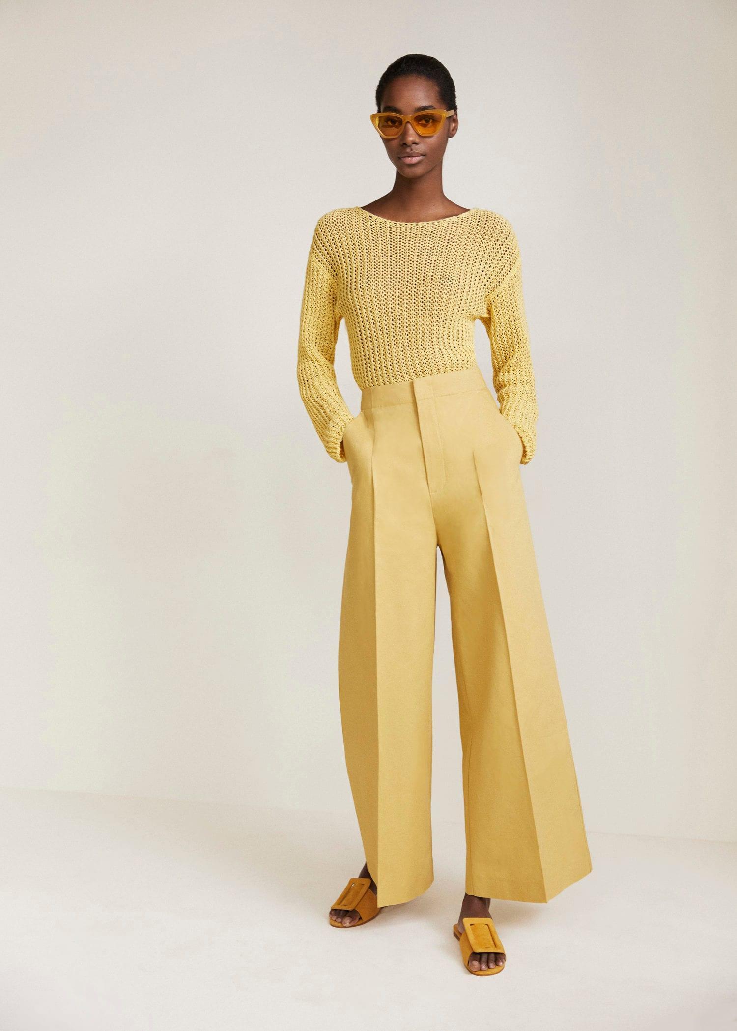 How to Wear Pastels 2019 Updated |Yellow on Yellow Tonal Monochrome| www.kittyandb.com #Yellow #Pastel #Chic #colourInspiration #OutfitInspiration #ColourPairing #monochrome #YellowAesthetic