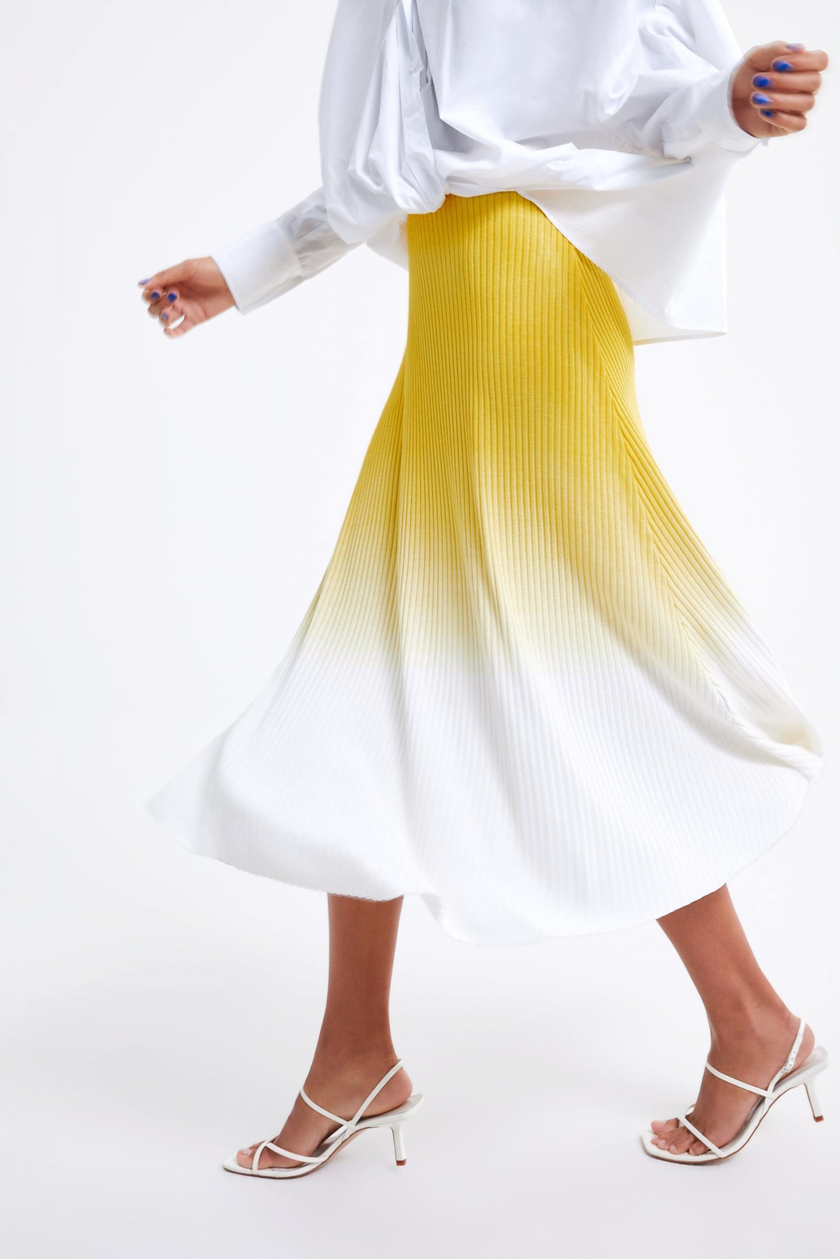 How to Wear Pastels 2019 Updated | Ombre Pastel Midi Skirt |www.kittyandb.com #YellowMidiSkirt #YellowandWhite #Chic #Pastel #Skirt #OutfitInspiration