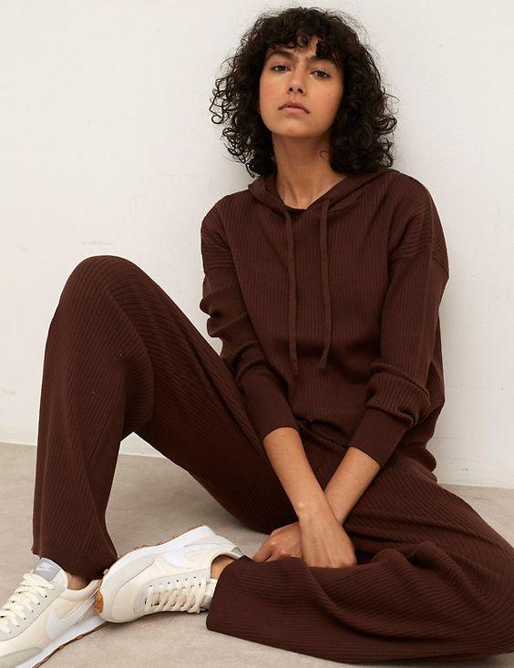 Brown Rib Knit Loungewear for the Casually Stylish| Brown fashion is back in town. In a big way. Cholately, retro, animal, corduroy. Yup, it's brown's time to shine. If you want some inspiration for how to wear brown and what colours go with brown, then it's all here. We have lots of wearable looks that you can recreate really easily with the clothes you already have or with a few wardrobe updates. | www.kittyandb.com #Brown #Brownaesthetic #outfitideas #Loungewear #Knit
