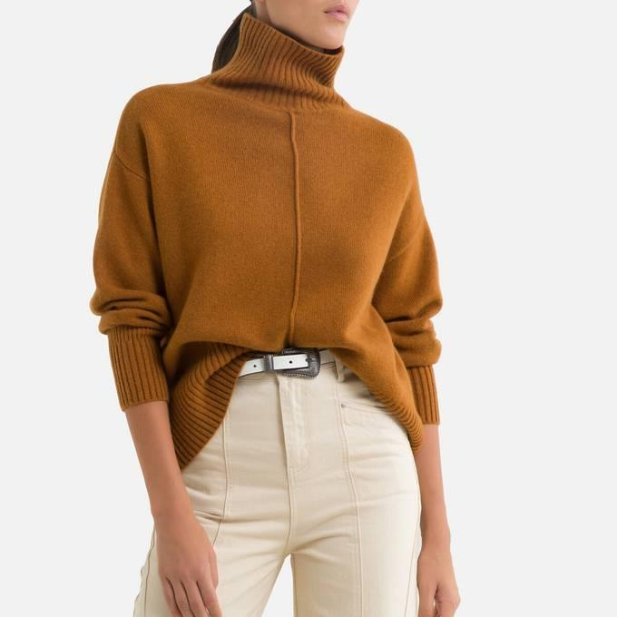 Camel Brown Funnel Jumper and White Trousers. An effortlessly chic way to wear brown.