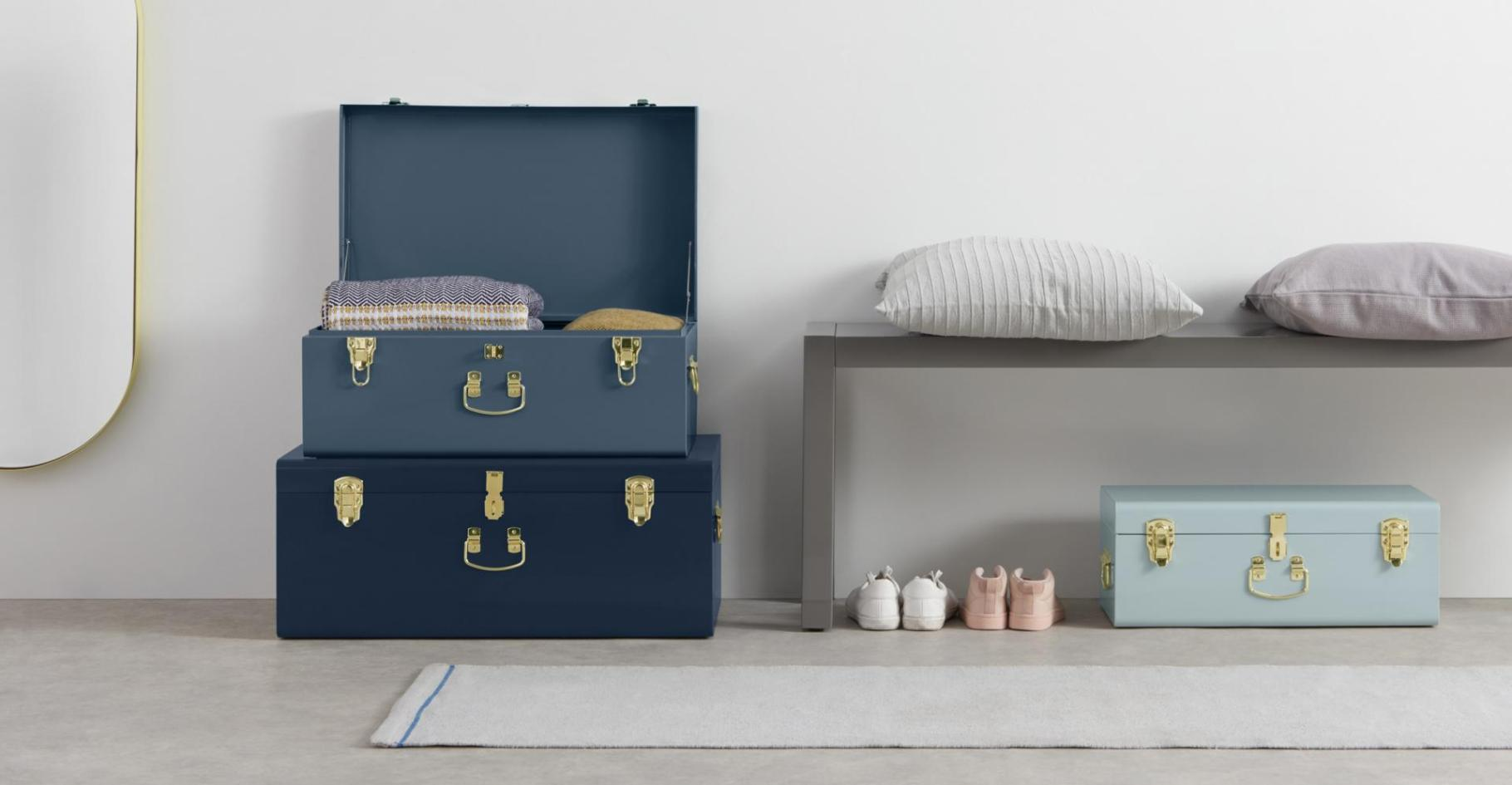 Tonal Blue Trunk Storage Living Room Decor Inspiration | Blue is a really versatile colour to decorate your home with. But, which colours and tones work well? What kind of accessories work with blue? This post gives you ideas for pulling together an elegant, calming blue colour palette and pieces for your home. Read more: kittyandb.com #Blue #colourfulhomedecor #interiordecoratinginspiration #storage