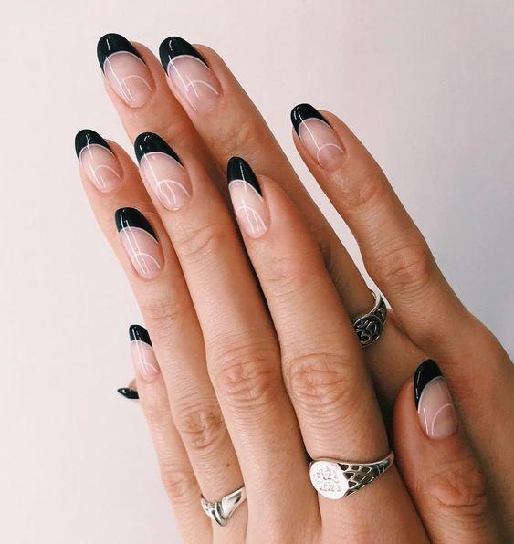 Black and White French Manicure Tips | We love a classic French manicure, it's elegant and timeless. But, we also love classic with a twist. Here are all the alternative French manicure styles you need | www.kittyandb.com #BlackNails #NailArt #French #Tip #Black #BlackAesthetic