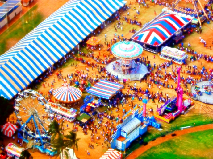 An old aerial image of Maui Fair. At least there will be grass now.