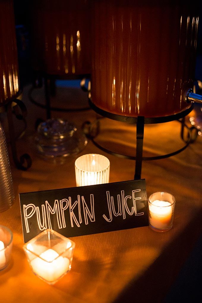 """""""Harry Potter"""" pumpkin juice is the perfect autumn drink: apple cider, pumpkin puree, mango nectar and spices combine for a cold or hot magical treat!"""
